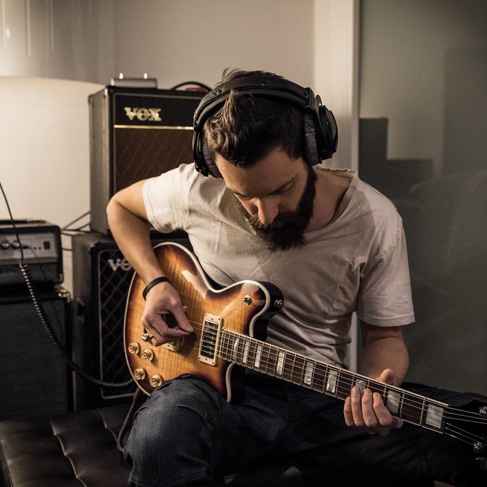 Gianluca-in-studio