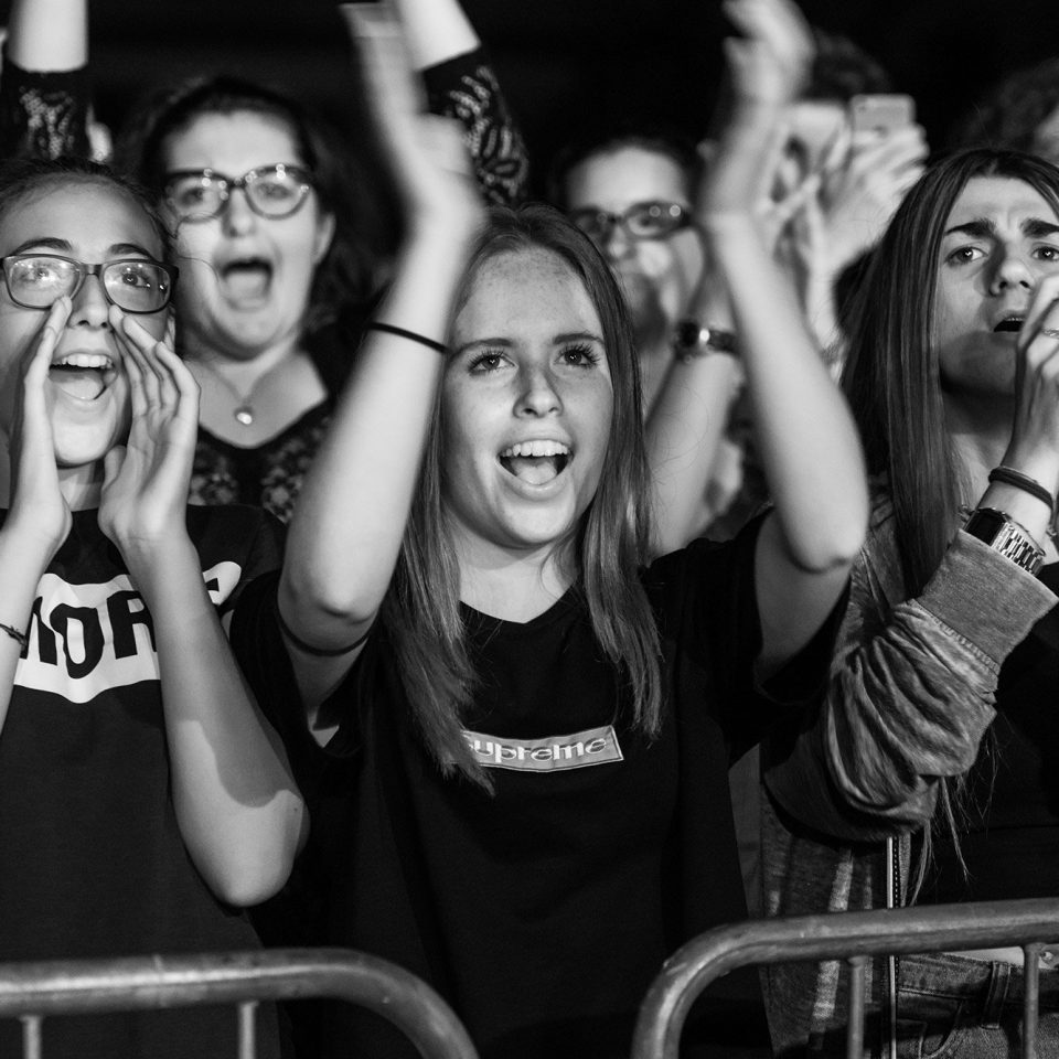the-sun-rock-band-live-concert-fan-action