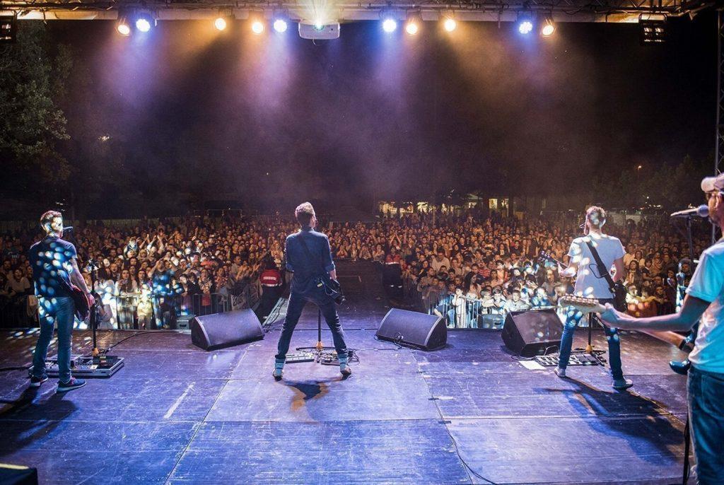 The Sun rock band live Resana