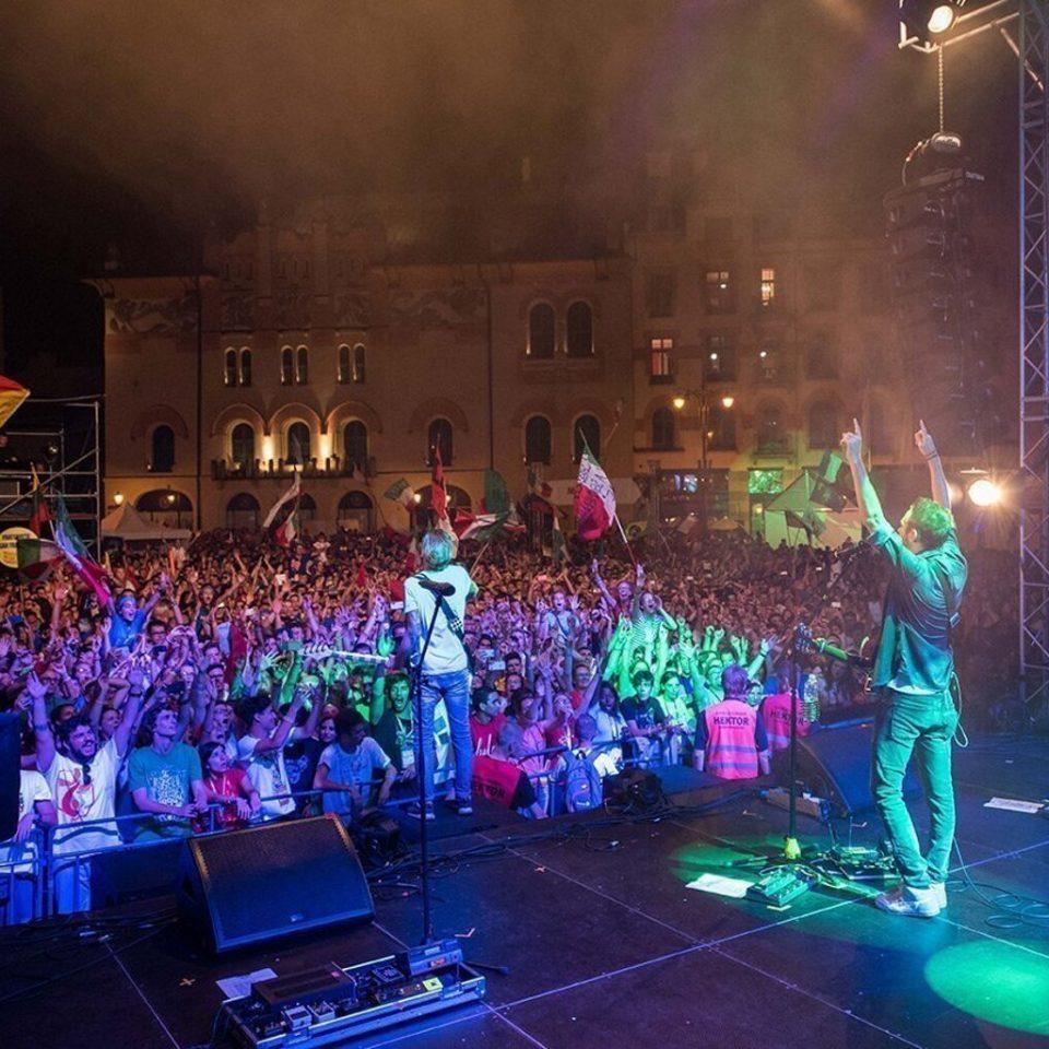 the-sun-rock-band-esibizione-live-a-cracovia-festival-halleluya-francesco-lorenzi